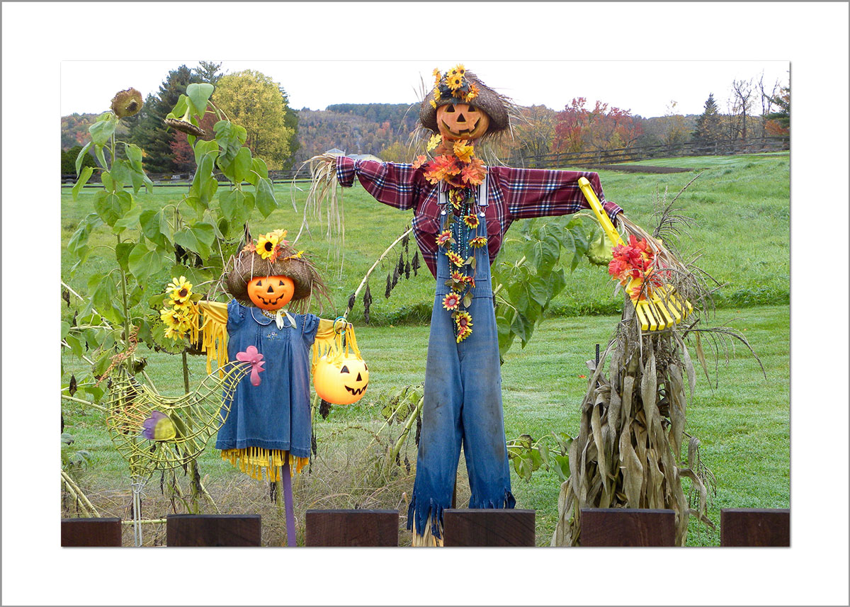 5x7 Photo Card: Father and Daughter Scarecrow