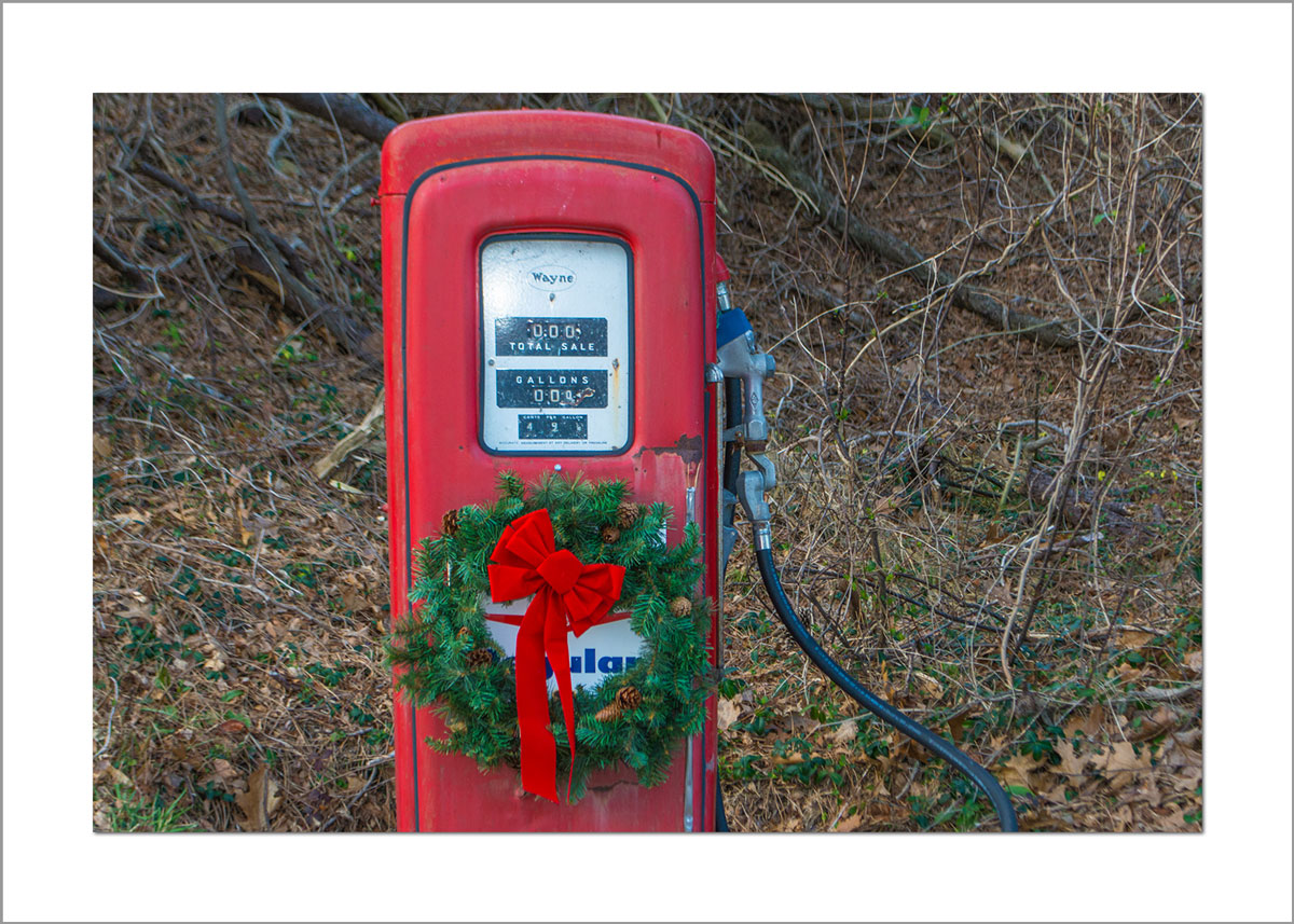 5x7 Photo Card: Gas Pump with Wreath