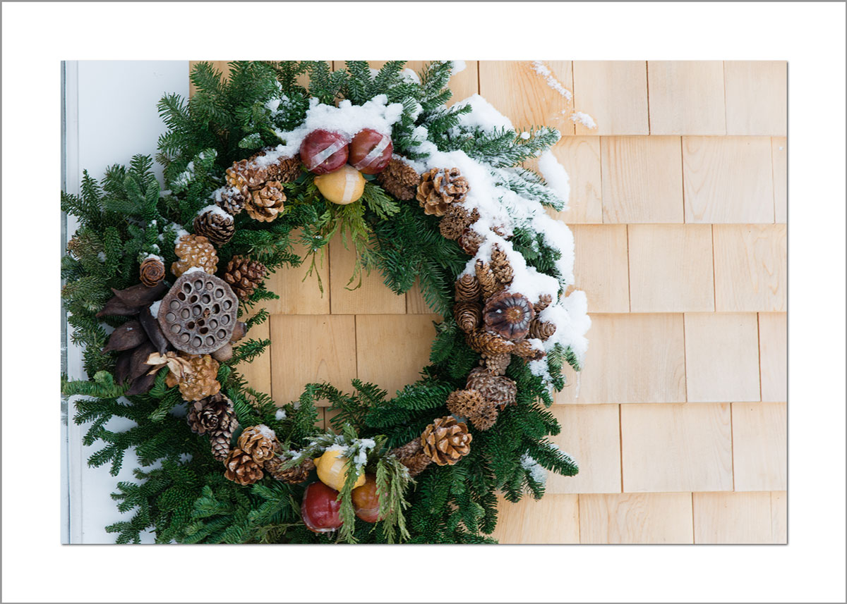 5x7 Photo Card: Snowy Wreath on Shingles