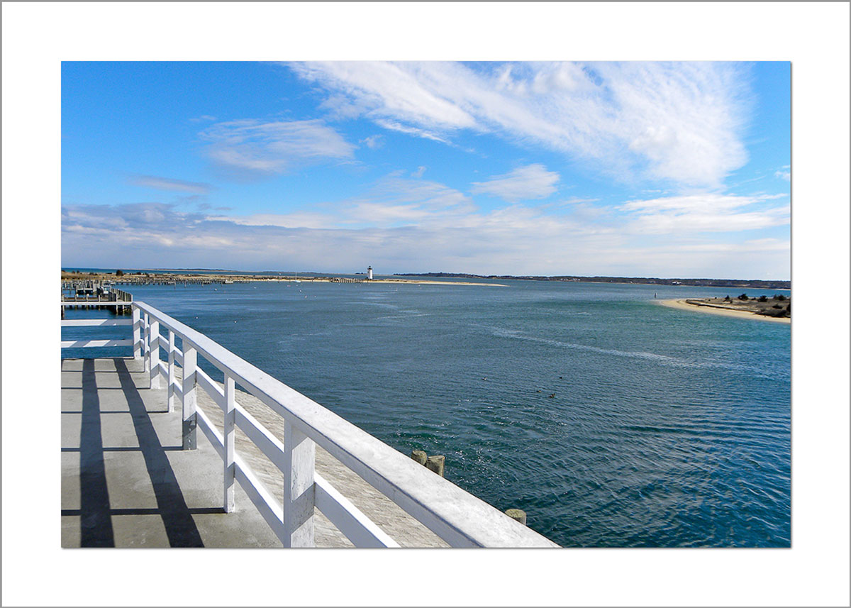 5x7 Photo Card: Edgartown Light at Memorial Wharf