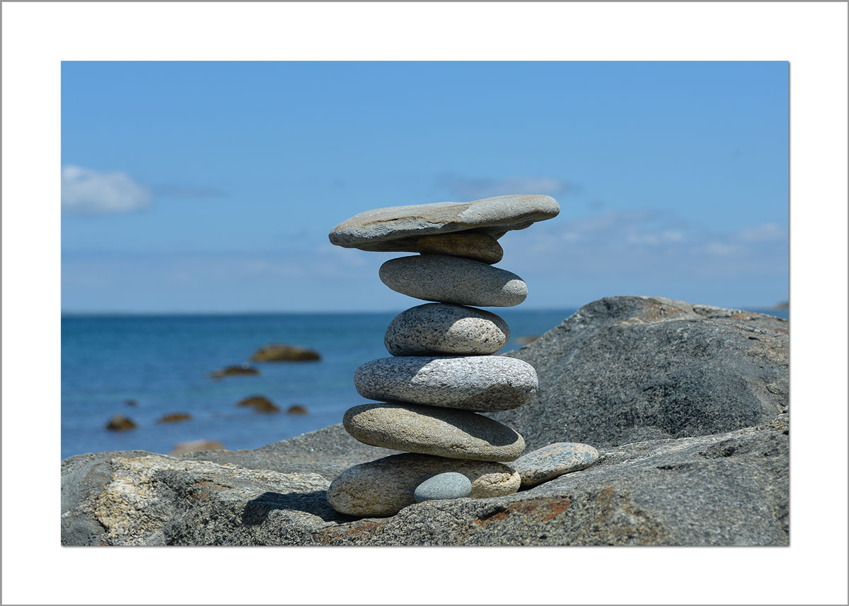 5x7 Photo Card: Menemsha Hills Rock Pile