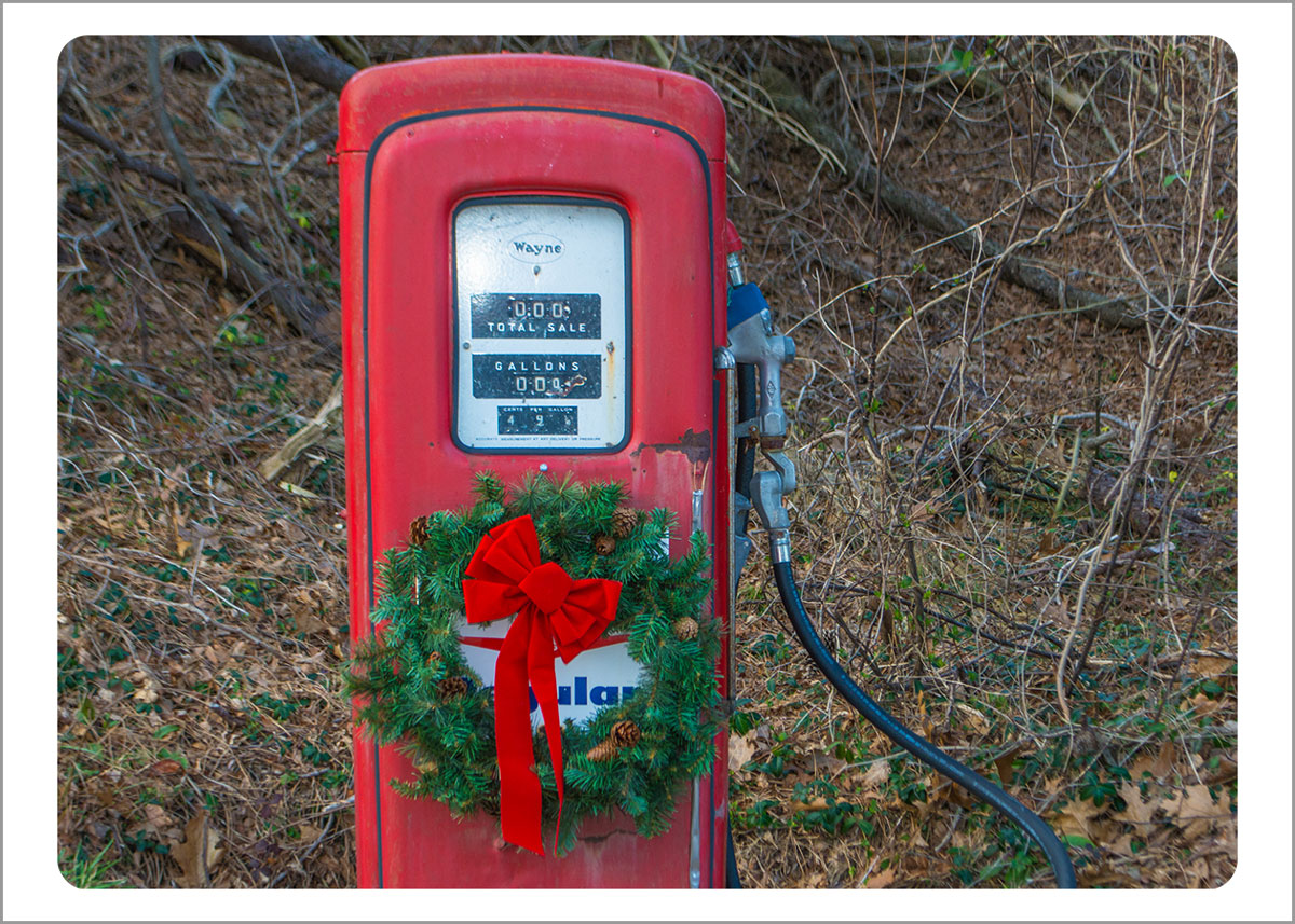 Boxed Gift Enclosures: Gas Pump with Wreath (Box of 5)