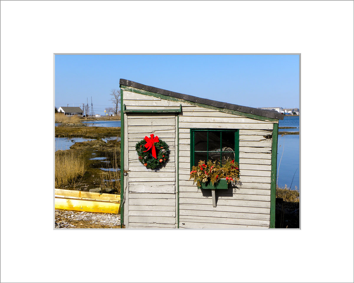 Matted 5x7 Photo: Wreath on Scallop Shack 2