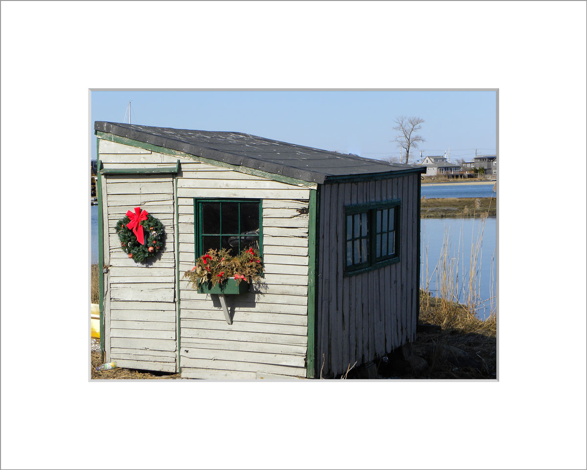 Matted 5x7 Photo: Wreath on Scallop Shack