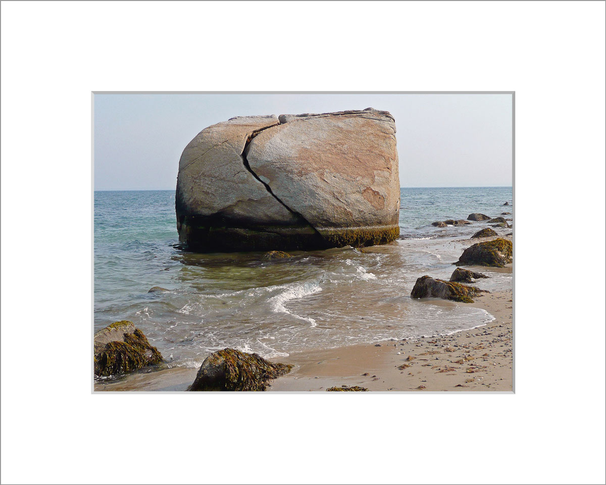 Matted 5x7 Photo: Split Rock Large